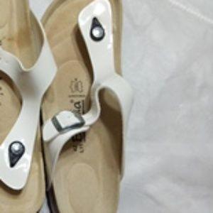 Birkenstock Shoes - Birkenstocks size 11 leather white thong like new